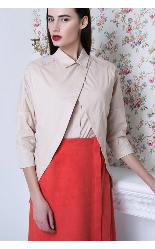 Стильная бежевая блузка