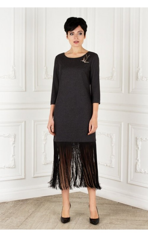 Платье прямое с бахрамой