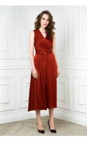 Платье с запахом на груди красное