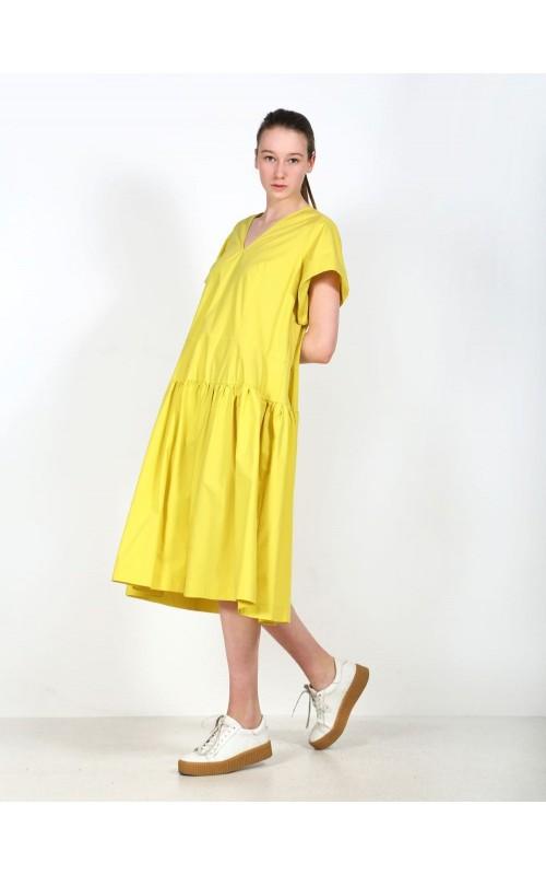 Платье с коротки рукавами
